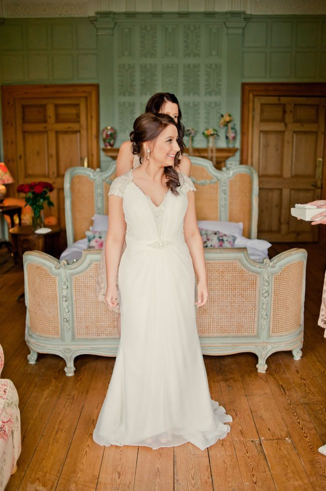 kelly-and-ryan-had-a-gorgeous-vintage-style-wedding-with-a-peach-colour-scheme-kerriemitchell.co.uk-118