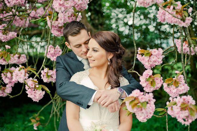 Kelly and Ryan's vintage-style wedding © kerriemitchell.co.uk