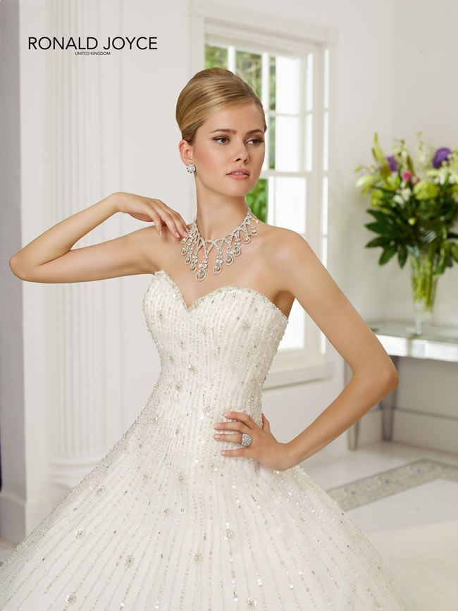 learn-the-lingo-wedding-dress-jargon-unveiled-68006_069