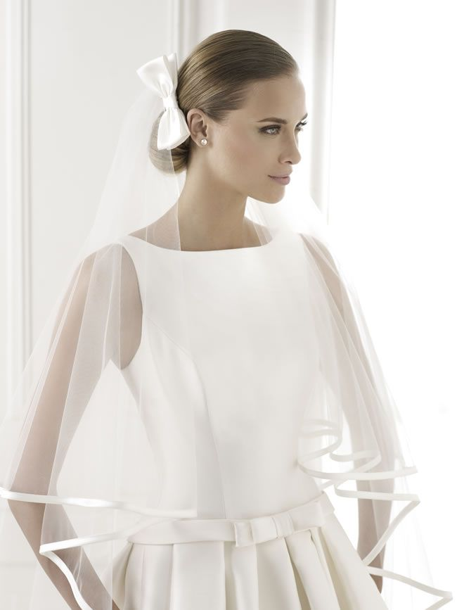 learn-the-lingo-wedding-dress-jargon-unveiled-BARCAZA-D
