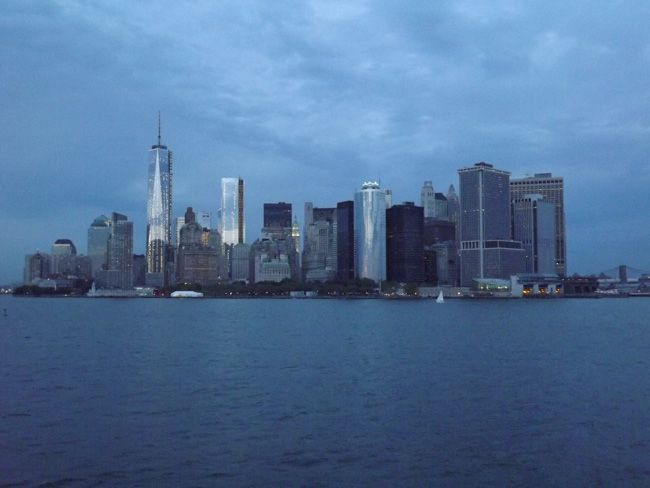 love-in-the-big-apple-a-real-life-honeymoon-in-new-york-View-from-Staten-Island-ferry