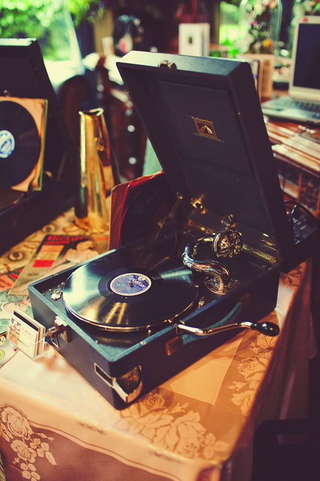music-for-weddings-doesnt-have-to-be-traditional-take-a-look-at-these-fun-ideas-Emma-Case-Photography