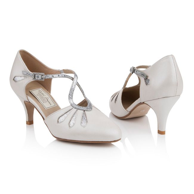 new-wedding-shoes-will-keep-you-dancing-all-night-Isadora-610-(pair)