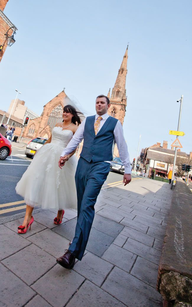nicola-and-joff-had-a-quirky-1950s-inspired-wedding-with-a-coral-colour-scheme-yanaphotography.co.uk-366