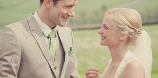 Hanna and Gareth's outdoor wedding © lissaalexandraphotography.com
