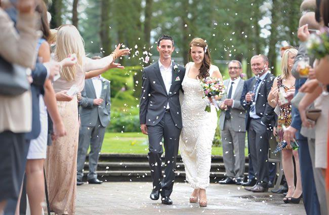 we-love-hollie-and-garys-shabby-chic-wedding-on-a-budget-awardweddings.co.uk-4413_ret