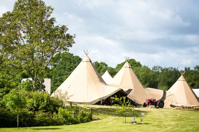 10-top-planning-tips-for-summer-marquee-weddings-dominicwhiten.co.uk