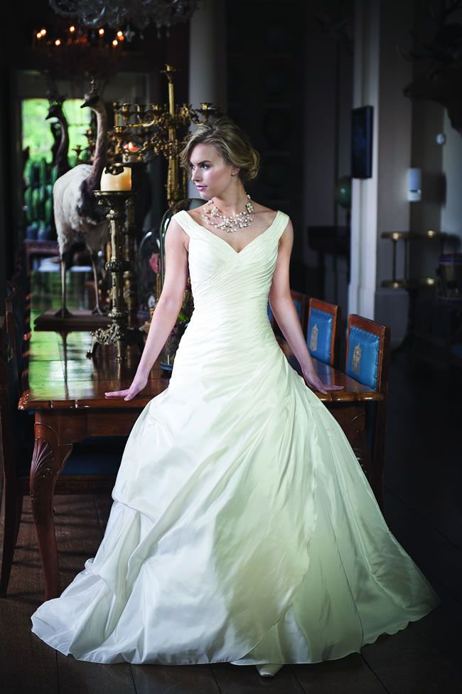 12-of-the-most-beautiful-wedding-dresses-for-under-1000-alexia-£717-W400