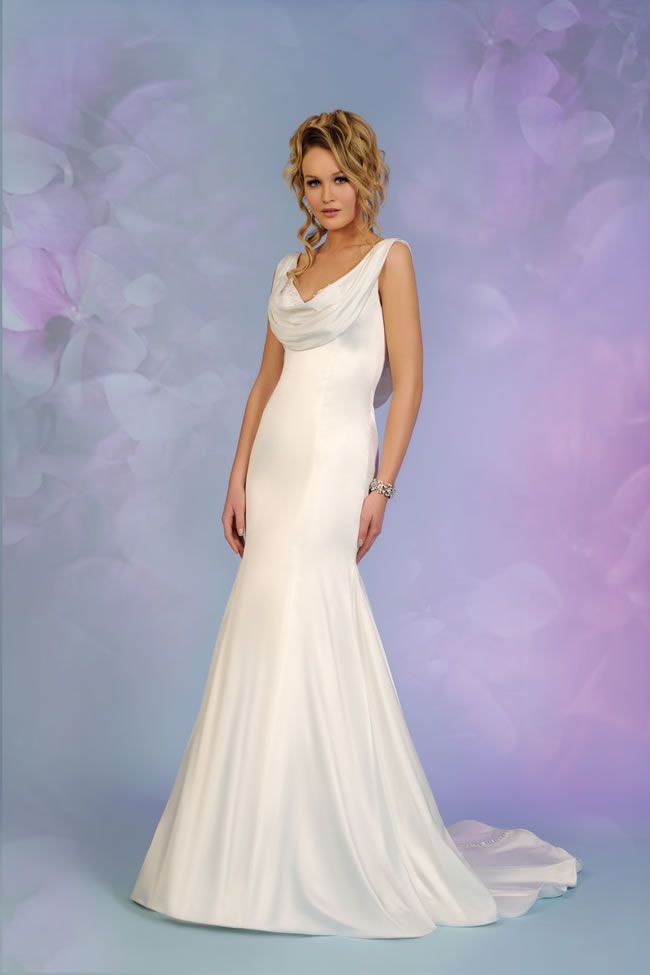 12-of-the-most-beautiful-wedding-dresses-for-under-1000-benjaminroberts.co.uk-5506-£685
