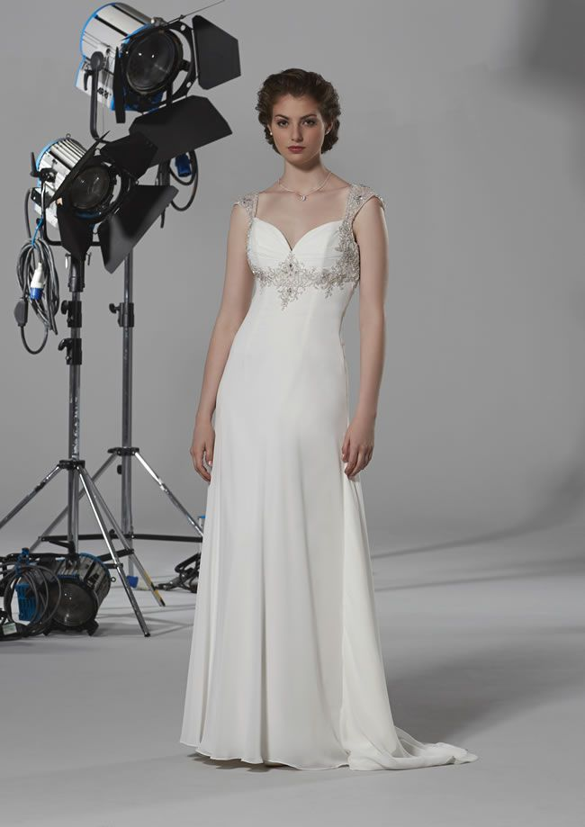 12-of-the-most-beautiful-wedding-dresses-for-under-1000-oceana-romantica-£599