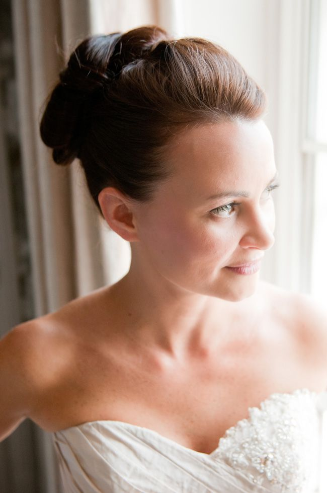 17-of-the-most-elegant-updos-from-real-weddings-lottieettlingphotography.com