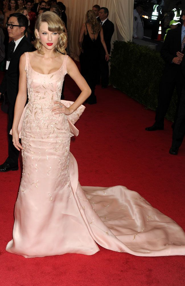 5-of-the-best-bridal-inspired-looks-from-the-met-ball-2014-Taylor-Swift-©-Dennis-Van-Tine_PA-Wire