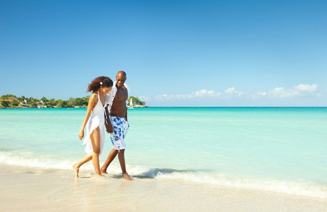 5-ways-that-couples-resorts-can-help-you-have-a-chilled-out-honeymoon-Couples-Negril