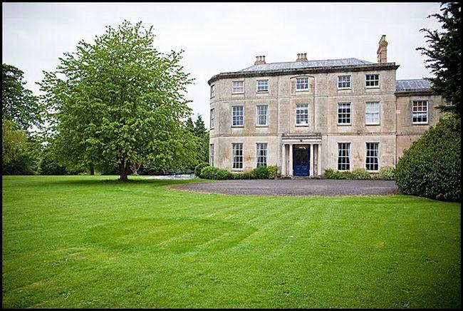 50-of-the-best-uk-wedding-venues-part-1-Eastington-Park