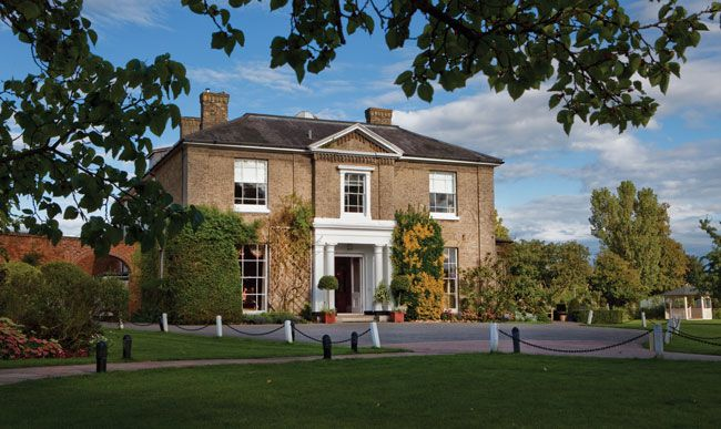 50-of-the-best-uk-wedding-venues-part-1-Fennes