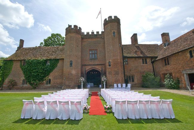 50-of-the-best-uk-wedding-venues-part-1-Leez