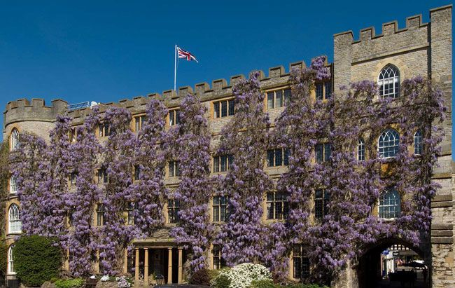 50-of-the-best-uk-wedding-venues-part-2-Castle-Hotel
