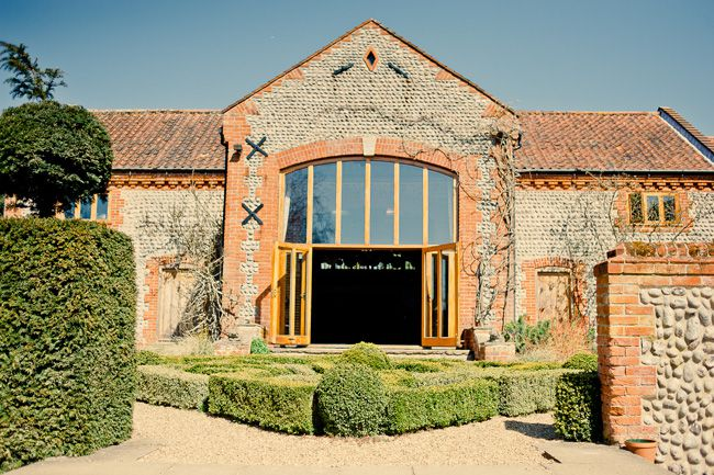 50-of-the-best-uk-wedding-venues-part-2-Chaucer-Barn-©-kerriemitchell.co.uk