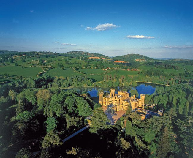 50-of-the-best-uk-wedding-venues-part-2-Eastnor-Castle