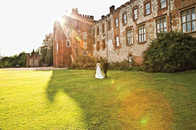 50-of-the-best-uk-wedding-venues-part-2-Farnham-Castle