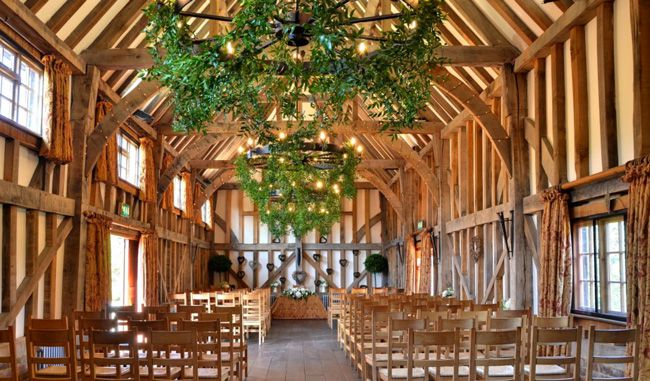 50-of-the-best-uk-wedding-venues-part-2-Gate-street-barn
