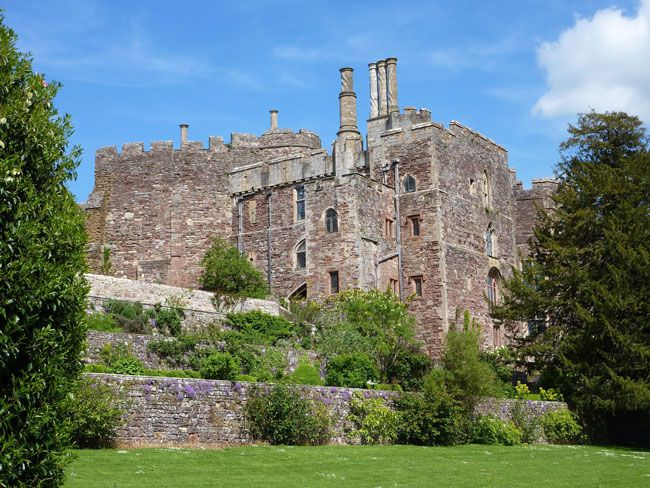 50-of-the-best-uk-wedding-venues-part-2-berkeley-castle