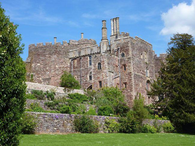 50-of-the-best-uk-wedding-venues-part-2-berkeley-castle
