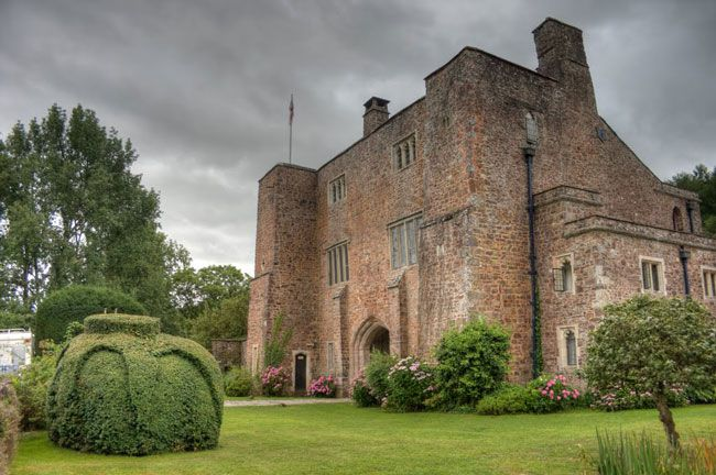 50-of-the-best-uk-wedding-venues-part-Bickleigh-Castle