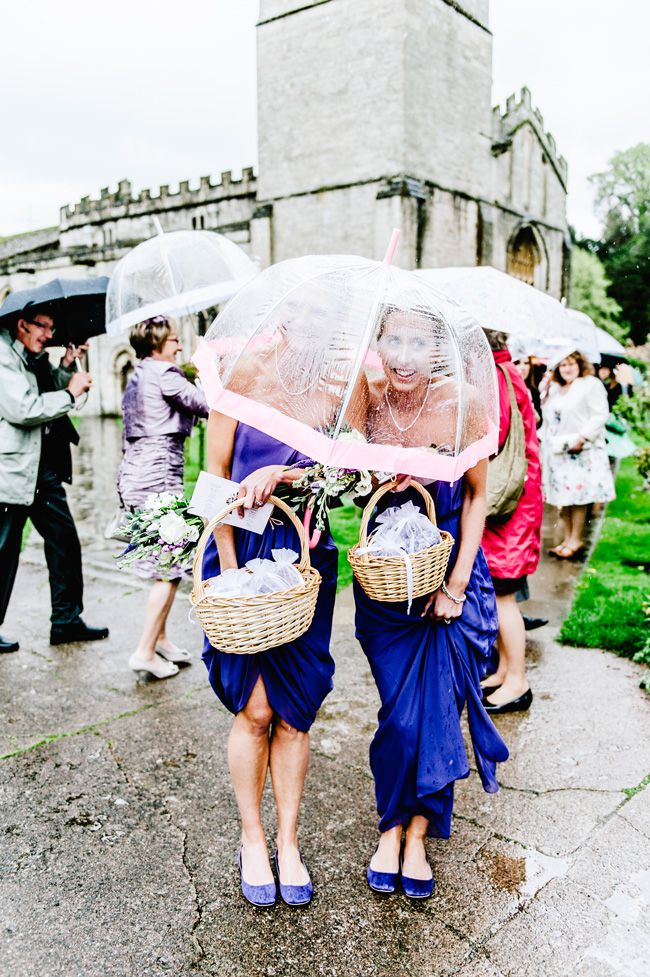 6-ways-to-make-bridesmaids-look-confident-in-your-wedding-photos-bigeyephotography.co.uk