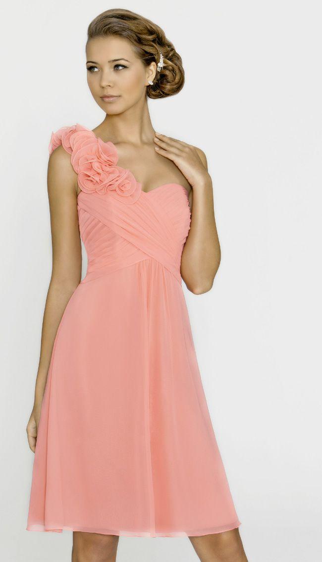 6-ways-to-make-bridesmaids-look-confident-in-your-wedding-photos-pink-dress