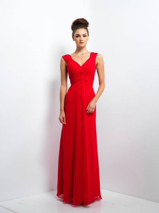 6-ways-to-make-bridesmaids-look-confident-in-your-wedding-photos-red-dress