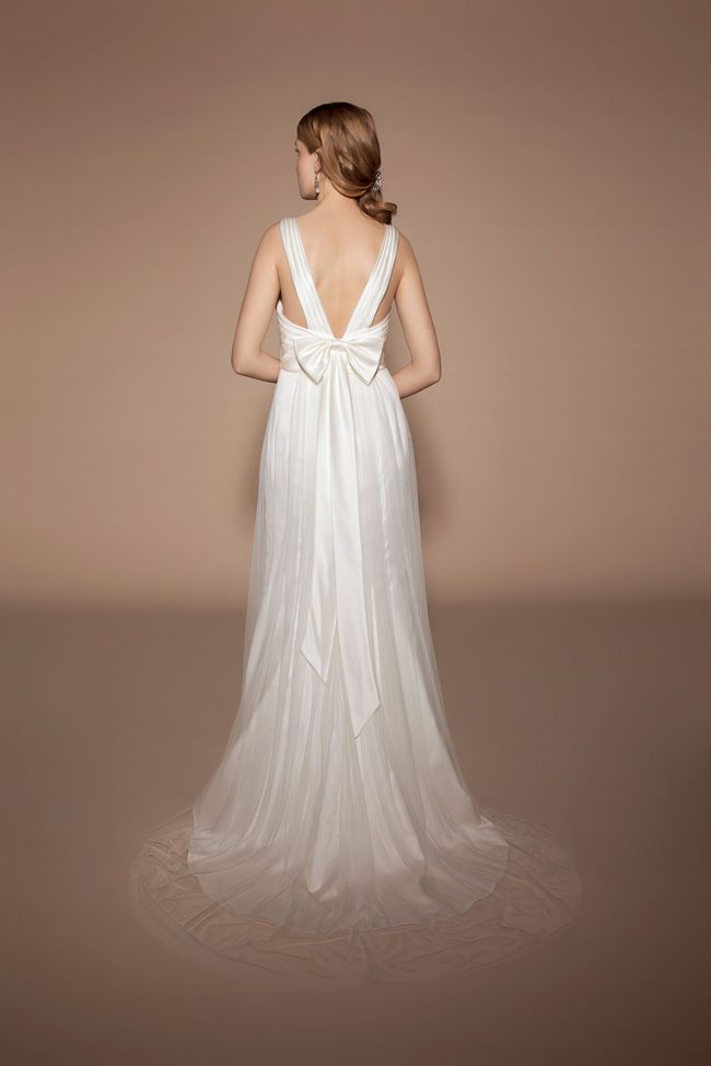 8-lightweight-wedding-dresses-to-keep-you-cool-in-summer-TIA-5405-Back