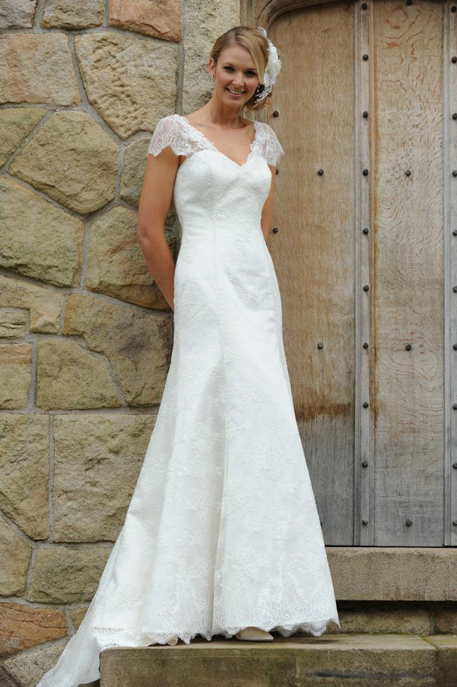 8-super-wedding-dresses-for-spring-from-forget-me-not-designs-Bellini