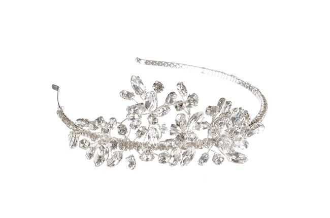 beautiful-bridal-accessories-to-complement-four-fab-necklines-Amelie-Headband-£168-Chez-Bec