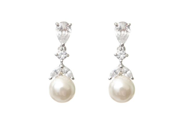 beautiful-bridal-accessories-to-complement-four-fab-necklines-Iris-Earrings-£38-Chez-Bec(2)