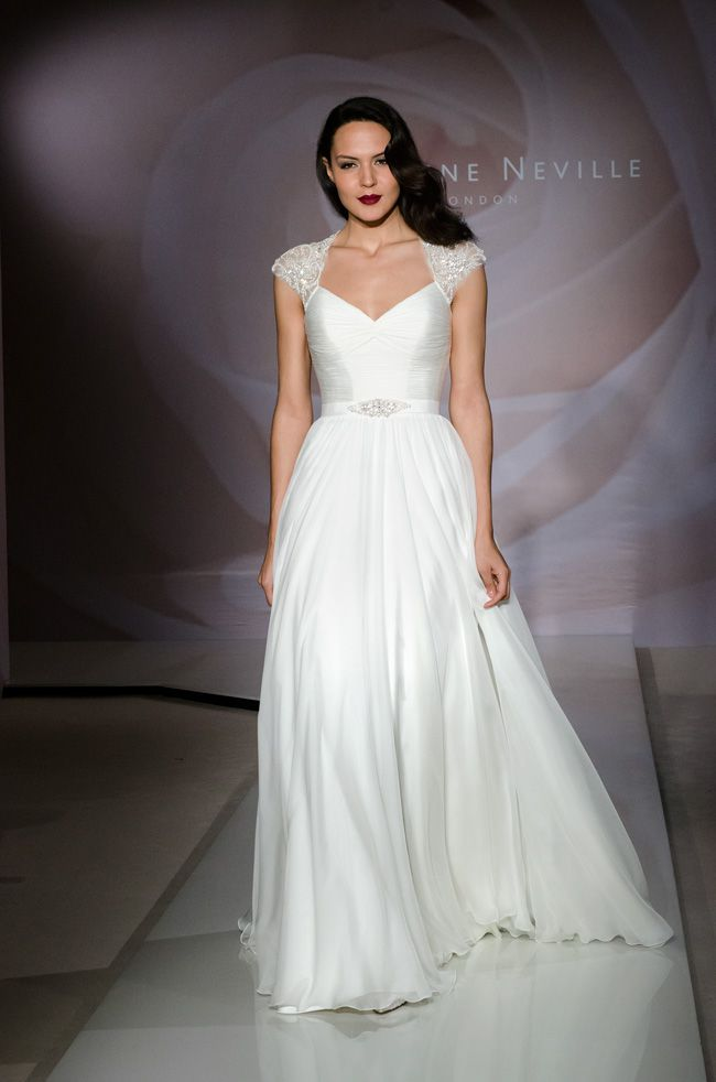 beautiful-bridal-accessories-to-complement-four-fab-necklines-Suzanne-Neville-Cherish-(1-of-1)_v1