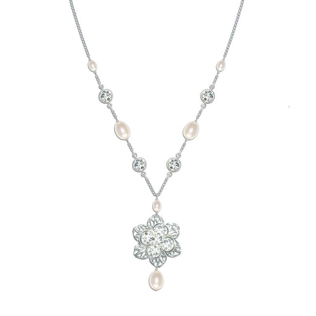 beautiful-bridal-accessories-to-complement-four-fab-necklines-Viola-Necklace-£68-Chez-Bec
