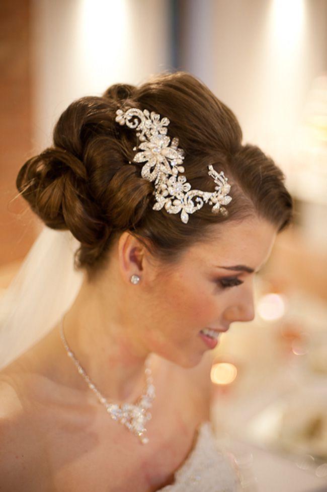 behind-the-scenes-on-a-vintage-winter-wedding-shoot-hair