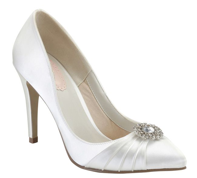 how-to-match-the-right-bridal-shoes-to-your-wedding-dress-Honey-paradoxlondon.com_64.95