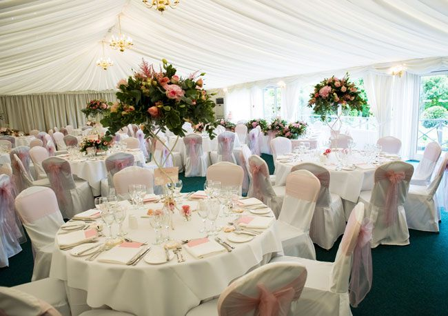 looking-for-a-wedding-venue-for-200-guests-try-these-fennes-david-islip-photography-(2)