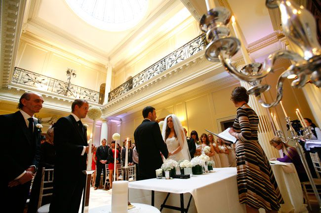 looking-for-a-wedding-venue-for-200-guests-try-these-hedsor-wedding-photojournalist-(2)