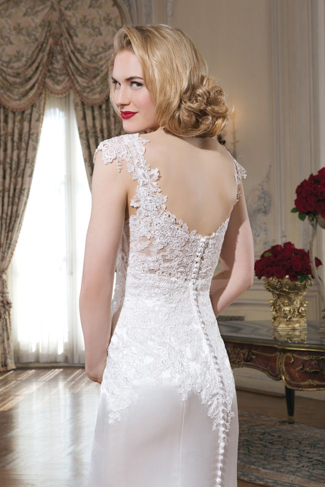 make-an-entrance-7-wedding-dresses-with-beautiful-backs-8730_121