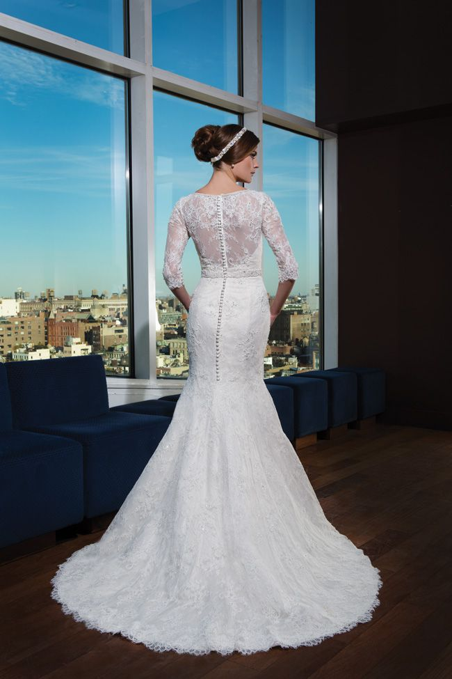 make-an-entrance-7-wedding-dresses-with-beautiful-backs-8737_134-9754_115