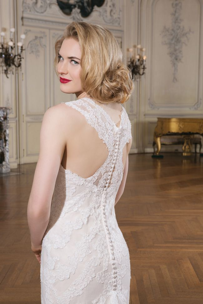 make-an-entrance-7-wedding-dresses-with-beautiful-backs-8741_130