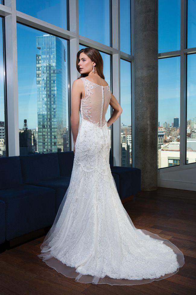 make-an-entrance-7-wedding-dresses-with-beautiful-backs-9745_291