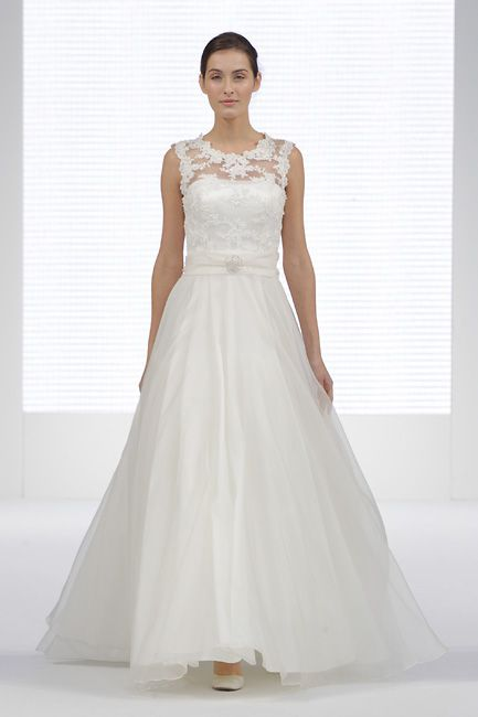 national_wedding_show_feb2014_london_catwalk_073_650px
