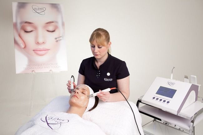 new-elemis-wrinkle-smoothing-facial-is-perfect-for-brides-to-be-facial-3