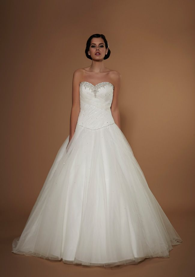 new-opulence-collection-is-perfect-for-princess-brides-fortuna-opulence-hires-2015