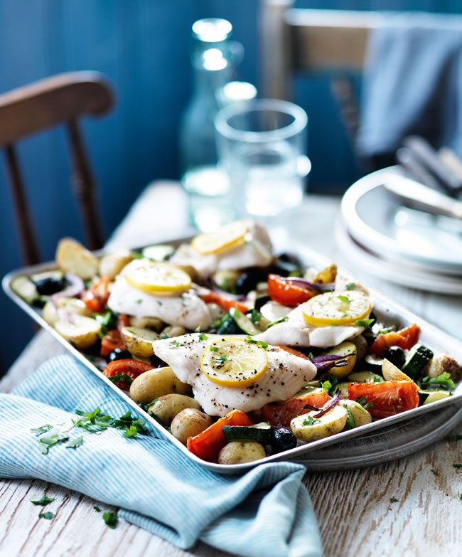 perfect-your-wedding-diet-with-this-weekly-slimming-schedule-from-slimming-world-mediterranean-fish-roast