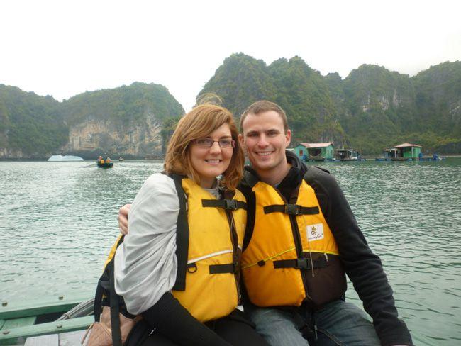 real-life-honeymoon-inspiration-from-malaysia-and-vietnam-Halong-Bay-(82)